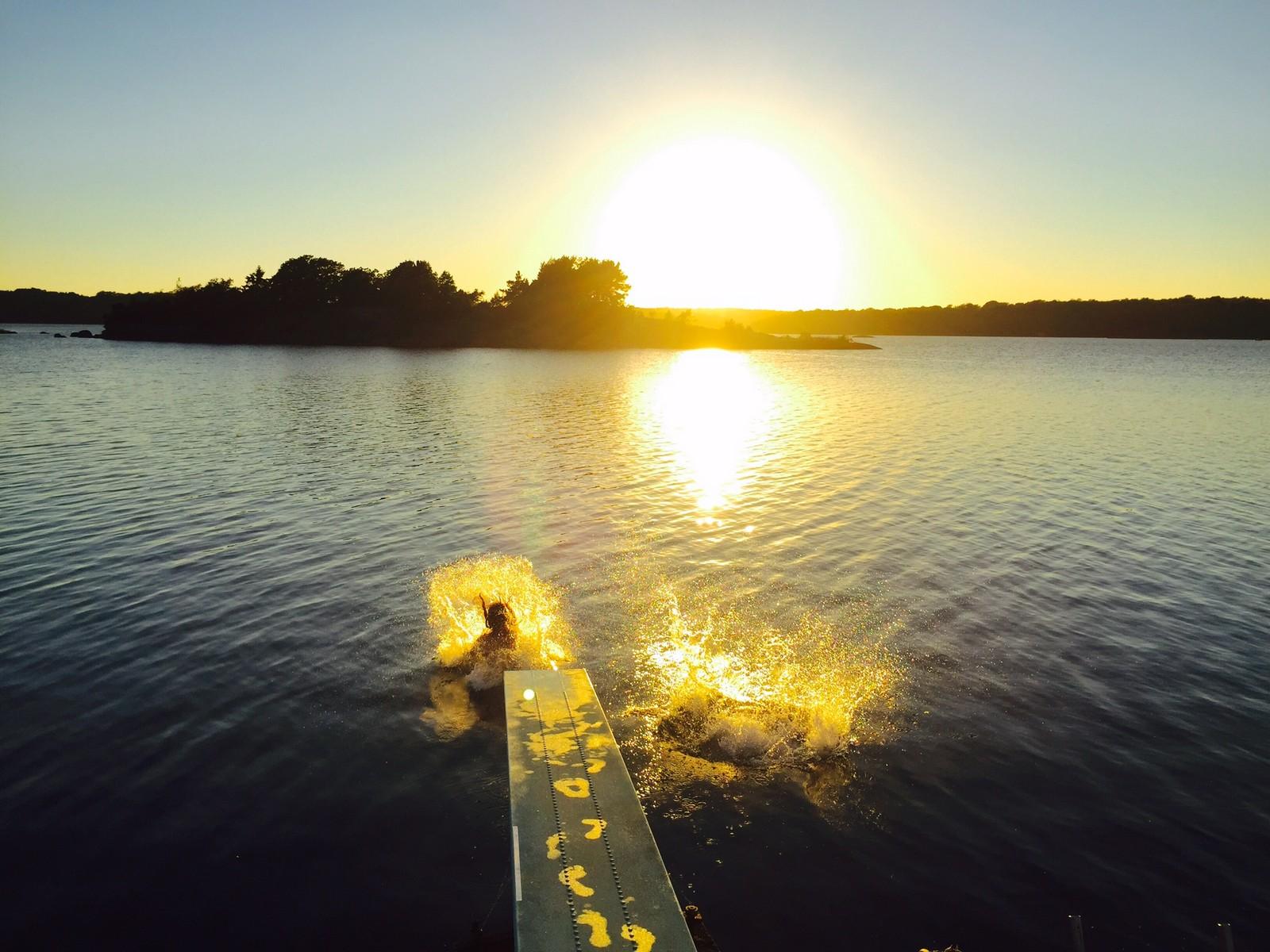 Bidrag 12 – Slutet av augusti, vid båtklubben