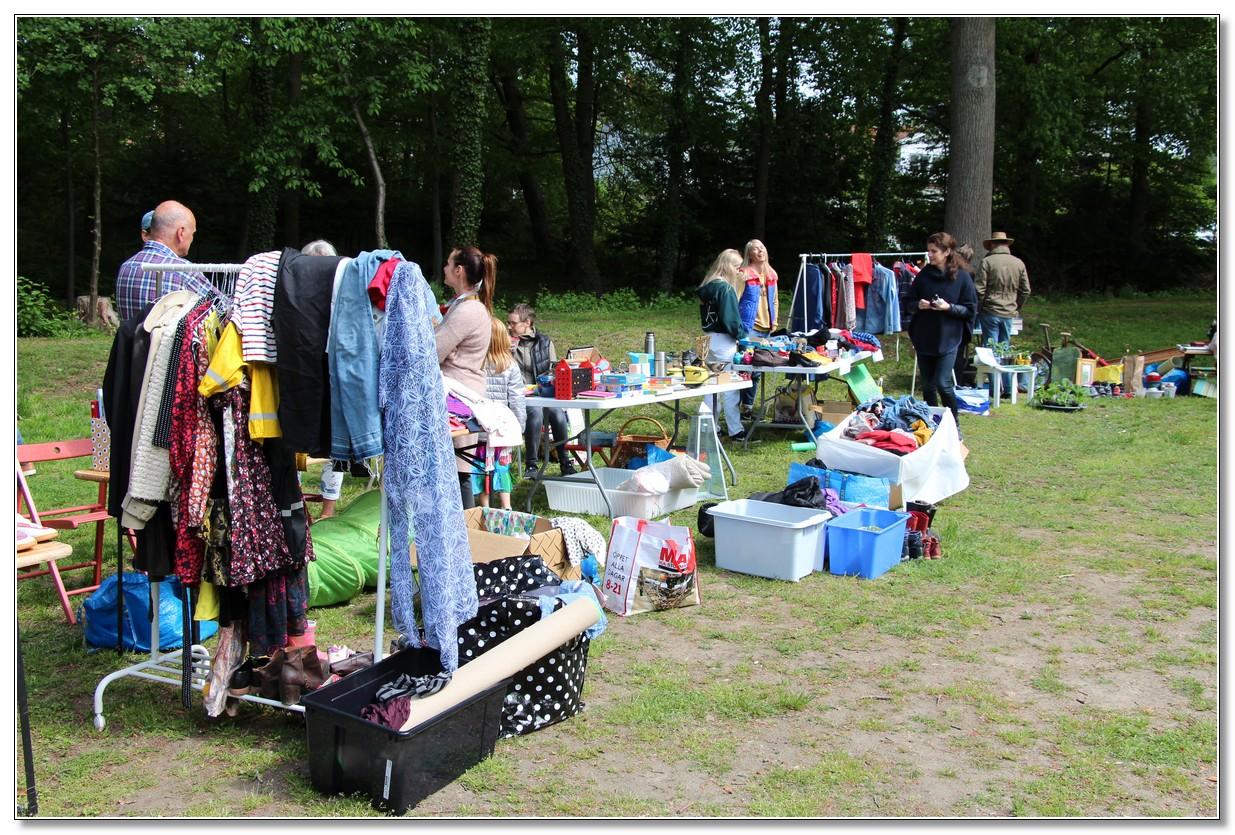 Loppis och växtbytardag i Lillan 2019-05-25
