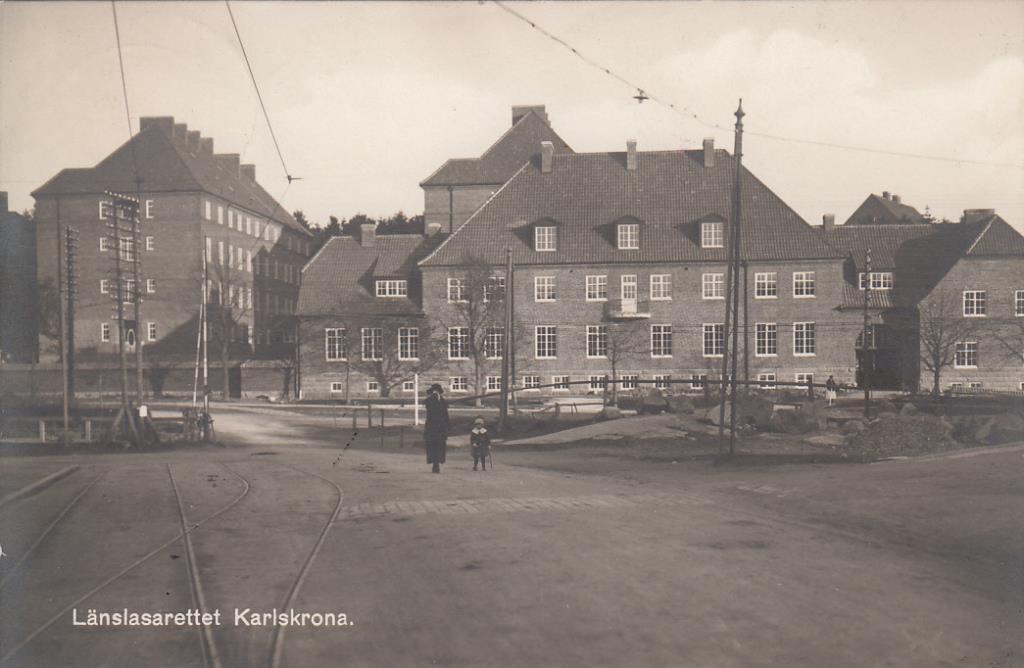 Bilden visar Länslasarettet i Karlskrona.
