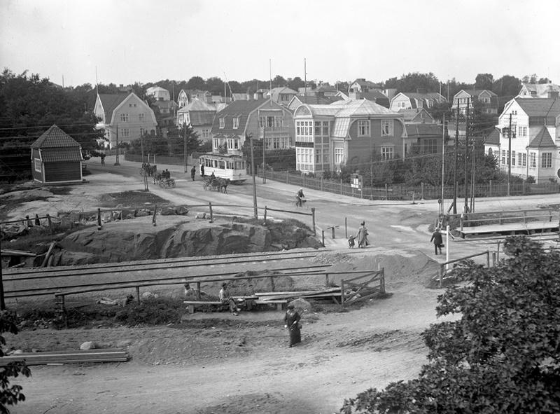 Spårvägens slutstation på Bergåsa omkring 1920. Okänd fotograf. Källa Blekinge Museum.
