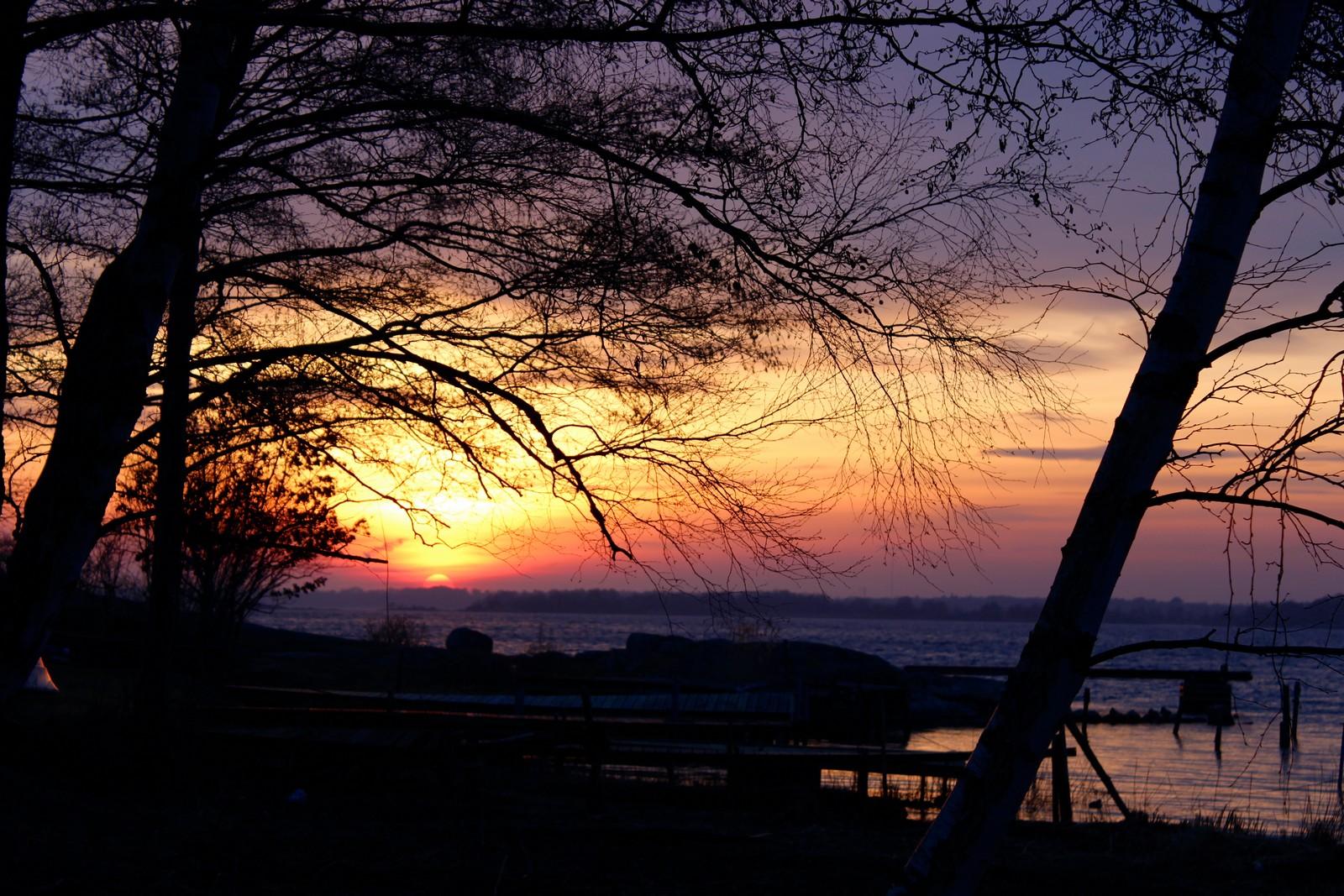 Bidrag 7 - Solnedgång vid båtbryggorna